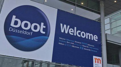 Willkommensgruß an die Besucher der boot 2017 am Eingang der Messe Düsseldorf